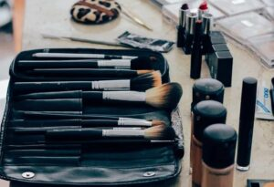 make-up-1209798__480